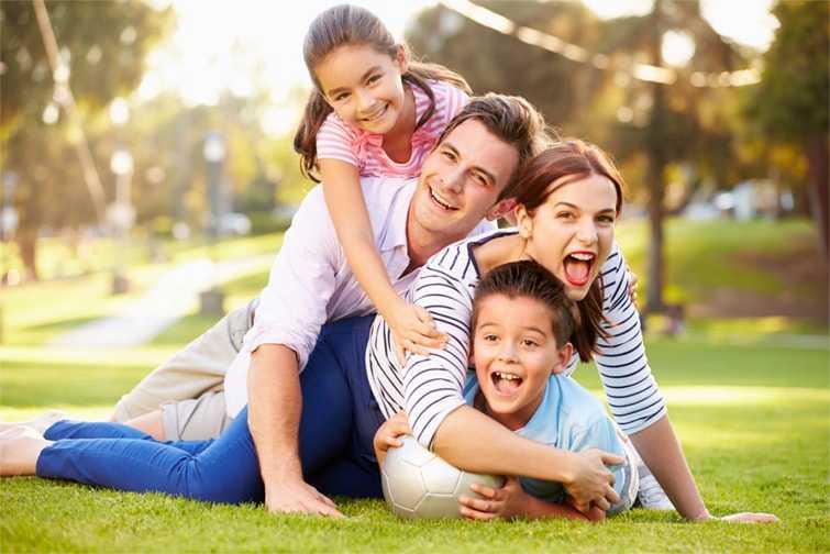 Você possui filhos, cônjuge ou familiares que dependem financeiramente de você? Então não perca tempo, contrate o seguro de vida e garanta a tranquilidade de toda sua família.
