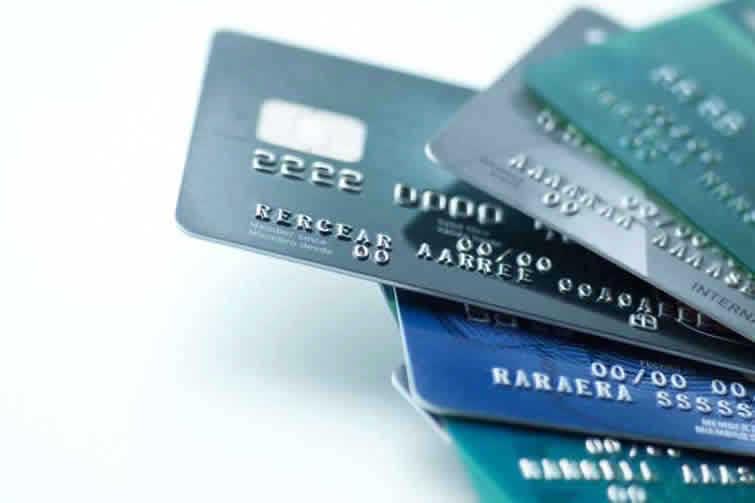 Os cartões de crédito da Porto Seguro existem para garantir mais facilidade para sua vida financeira, além de diversas vantagens para os clientes Porto.